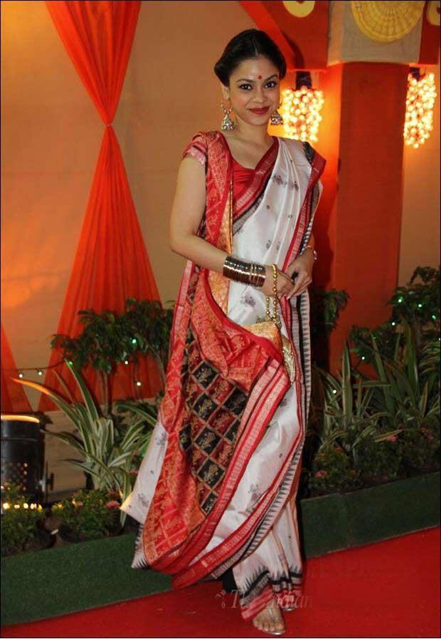 Bengali Style Saree wearing