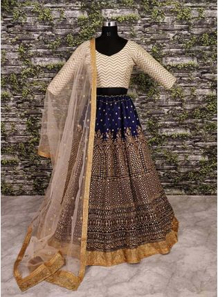 Sweetheart Neckline Blouse With Heavy Zari Work Lehenga