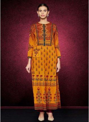 A Mustard Elegant Printed Detailed Kurta
