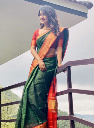Lush Green Bollywood Saree With Silk Weave Details