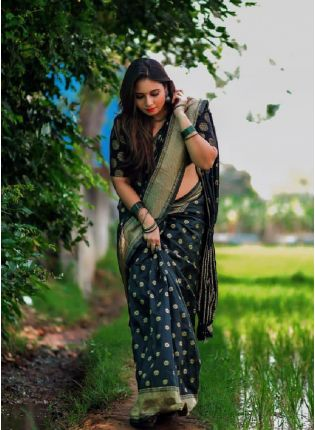 Dazzling Black Color Kanchipuram Silk Base Heavy Look Saree With Matching Blouse